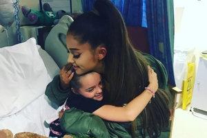Ariana Grande v nemocnici.
