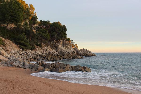 """Costa Brava je skutočným obrazom svojho názvu """"divoké pobrežie""""."""