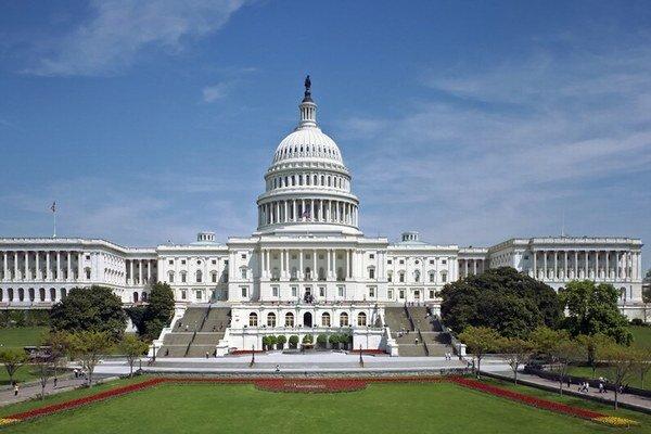 Kongres ovládajú lobisti, nie voliči.