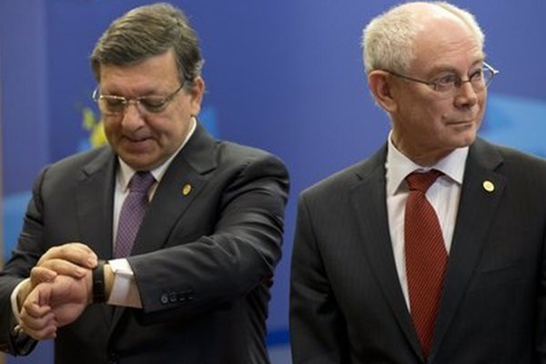 José Manuel Barroso (vľavo) a Herman Van Rompuy (vpravo).