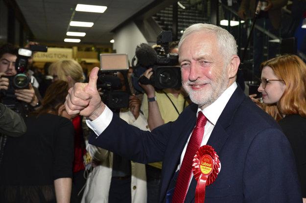 Politológovia označujú za víťaza volieb Corbyna.