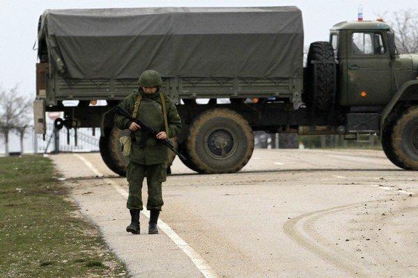 Ruská armáda blokuje prístup do Sevastopolu