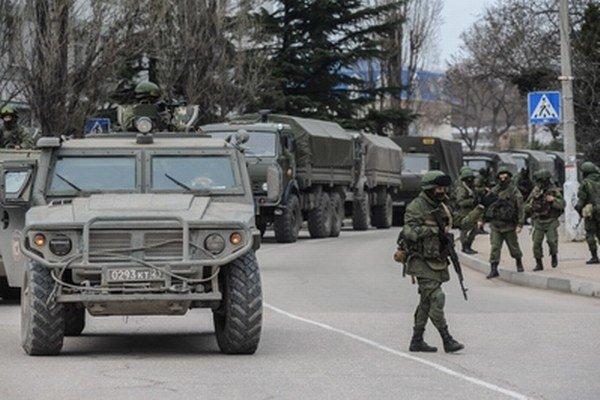 Na Kryme je vraj len domobrana, nie ruské vojská. Podľa Putina.