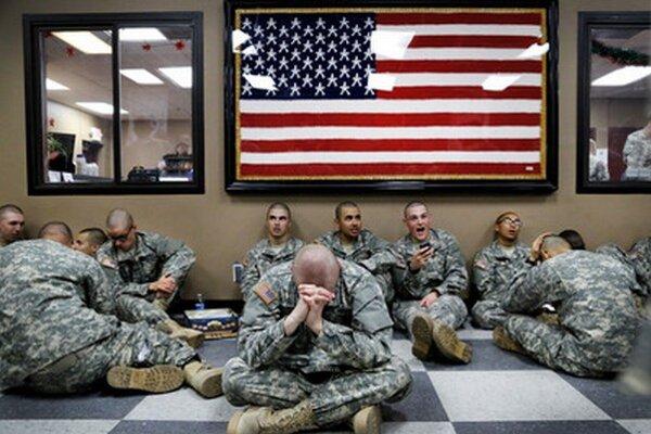 Americkí vojaci dostávajú v nebezpečných lokalitách príplatok 7,50 dolára na deň.