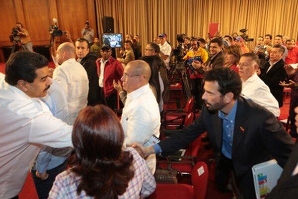 Maduro a Capriles.