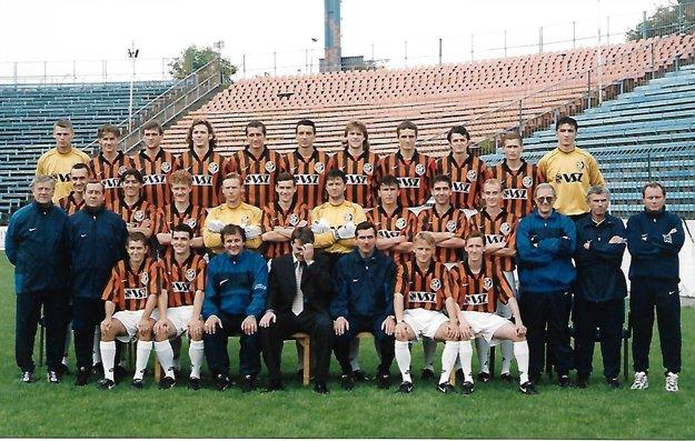 Tím 1.FC Košice, ktorý vročníku 1996/97 získal titul majstra apostúpil do Ligy majstrov.