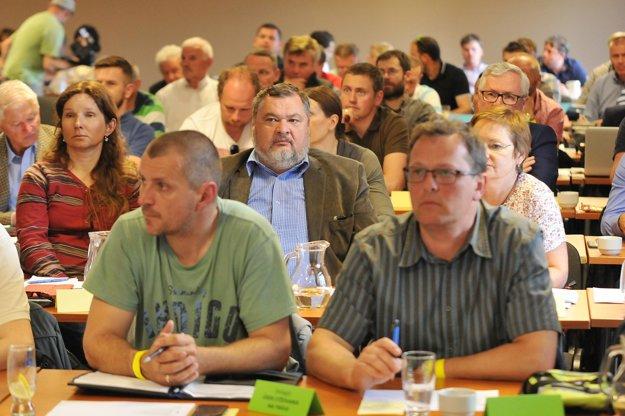 Na snímke delegáti na konferencii Slovenskej lyžiarskej asociácie (SLA) v Novom Smokovci.