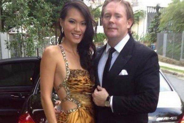 Anton Casey a jeho manželka, bývalá Miss Singapur Bernice Wong.