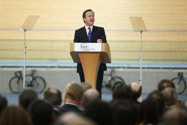 Britský premiér David Cameron počas tlačovej konferencie o dôležitosti zotrvania Škótska v Britskom kráľovstve.