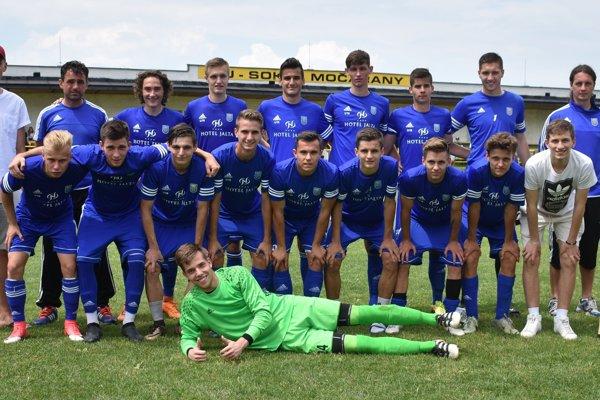 Dorastenecké družstvo MFK Zemplín, ktoré prepísalo históriu mládežníckeho futbalu vMichalovciach.