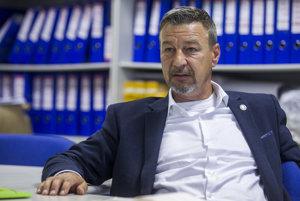 Zoroslav Smolinský pracuje v bratislavskom Volkswagene od roku 1992.