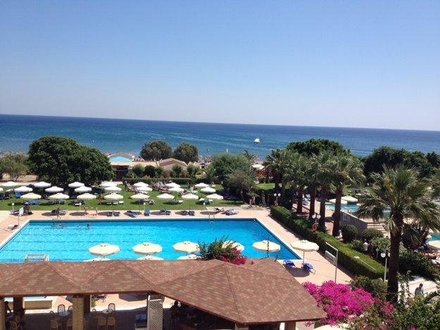 Výhľad z hotela na more