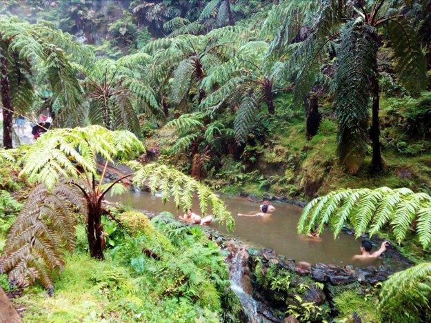 Národný park Caldeira Velha sgeotermálnym prameňom