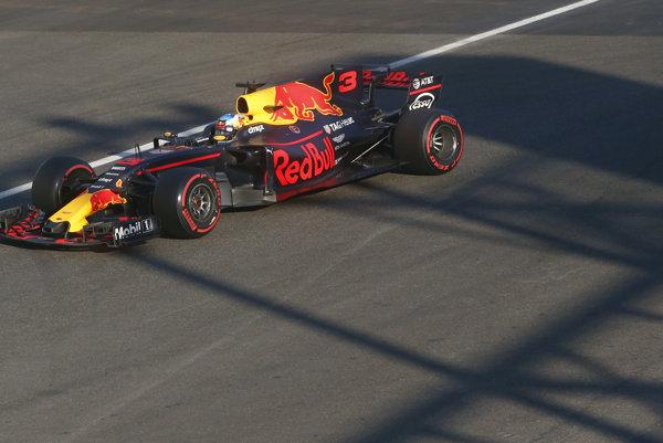 Víťaz Veľkej ceny Azerbajdžanu Daniel Ricciardo.