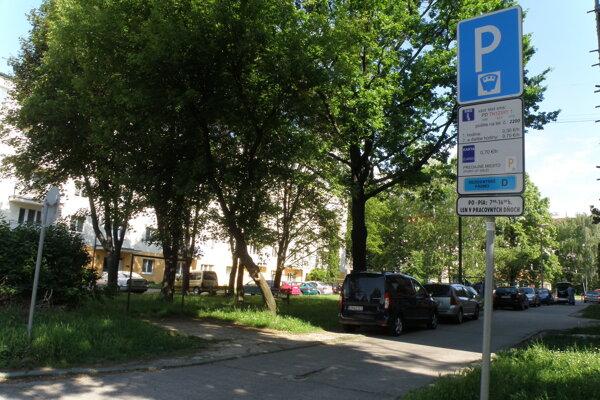 Rezidentské pásmo v blízkosti centra Prievidze.