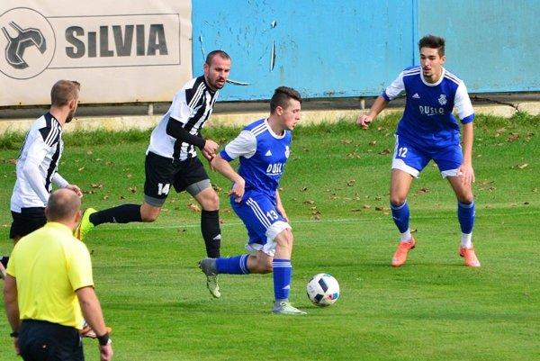 Víťazom tretej ligy sa stali futbalisti Komárna. Šaľa, bývalý účastník druhej ligy, hrala iba o záchranu.