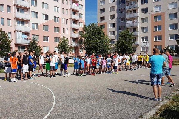 V Seredi sa stretli vyznávači streetballu.