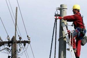 Stredoslovenská energetika odstaví na niekoľko hodín elektrinu.