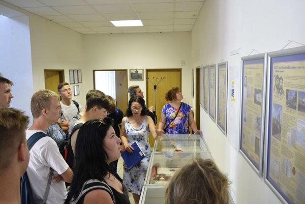 Deň otvorených dverí navštívili aj študenti.