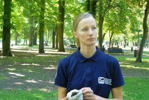Denisa Lőbbová. Spolu s kolegami sa stará, aby sa mali netopiere na Slovensku dobre.