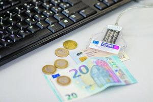 Za nový občiansky s čipom si zaplatíte klasický poplatok 4,5 eura, ak ho chcete mať do dvoch dní, tak plus 20 eur.
