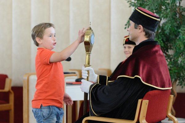 Slávnostnou imatrikuláciou sa vlani na pôde SPU začala Nitrianska letná univerzita.