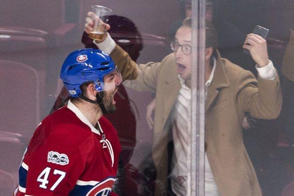 Alexander Radulov bude naďalej pôsobiť v NHL.