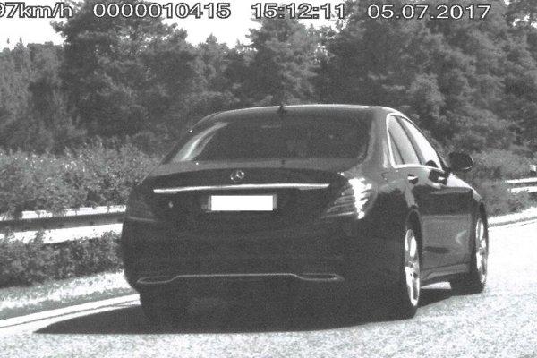 Polícia namerala českého vodiča na diaľnici D2.