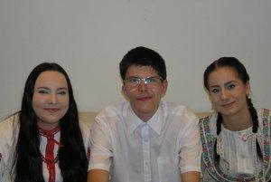 Reprezentanti školy v Cikkerovej sieni banskobystrickej Radnice.