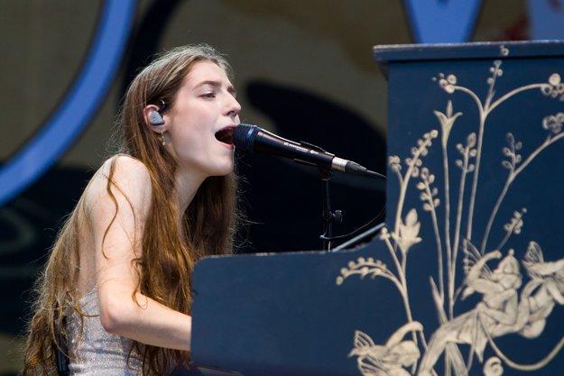 Speváčka Birdy.