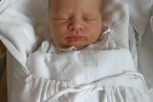 Petre Miklovej a Martinovi Kučíkovi z Beluše sa 3. júla narodila dcérka Emka (3100 g a 50 cm).