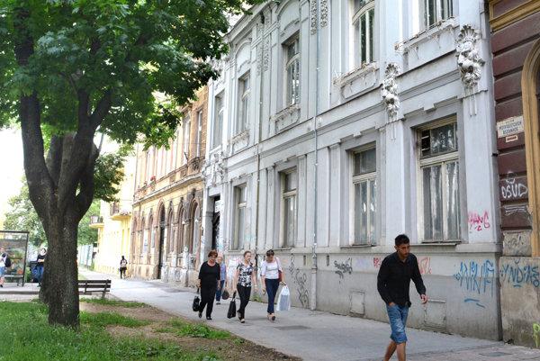 Historická budova je na predaj.