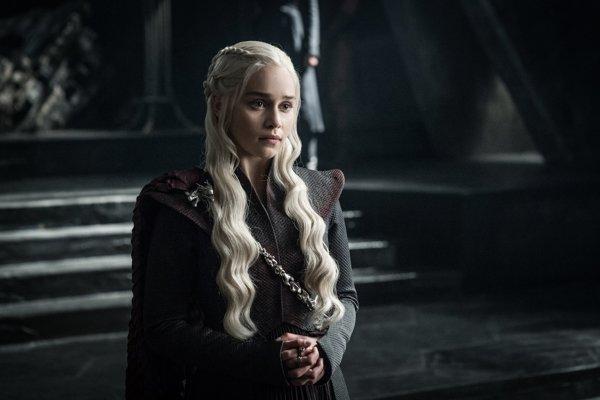 Krásna Daenarys si musela vytrpieť všeličo a pomaly sa pripravuje na veľkú vojnu so svojimi drakmi.