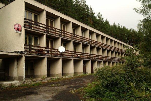 ĽUBICA STANČÍKOVÁ. Opustený hotel