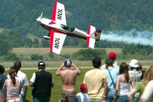 Letecký akrobat.