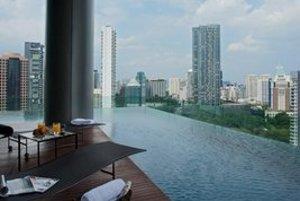 Bazén na balkóne.