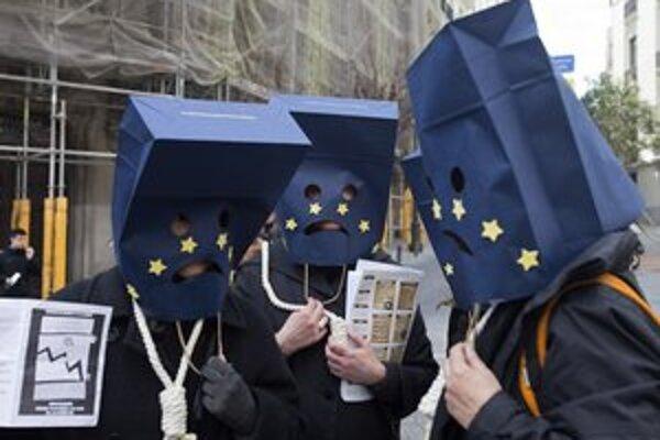 Protest proti Európskej únii v Španielsku, kde je nedôvera voči Bruselu a jeho inštitúciám najvyššia.