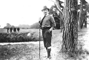 Robert Baden-Powell, hlavný skaut sveta, sa narodil 22. februára 1857. Zomrel 8. januára 1941 v Keni.