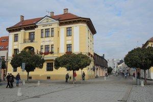 Súčasná budova Mestského úradu vNovom Meste nad Váhom.