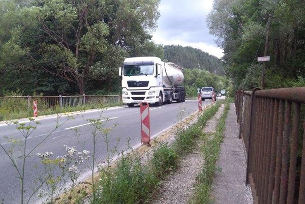 Most pred Rajeckými Teplicami potrebuje generálnu opravu.