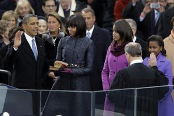 Barack Obama prisahal na dve Biblie.