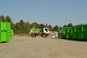 Prevádzka prekládkovej stanice sa nachádza v areáli bývalej skládky tuhých komunálnych odpadov Cemjata, Prešov.