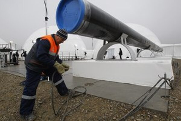 Plynovod Rusov a Ukrajincov skôr rozdeľuje.