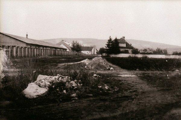 Hurbanova ulica a budovanie chodníkov rok 1953.