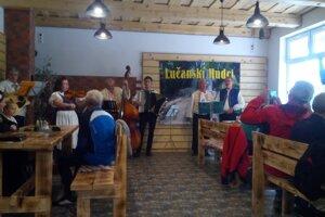Lúčanskí hudci z Lúčok.