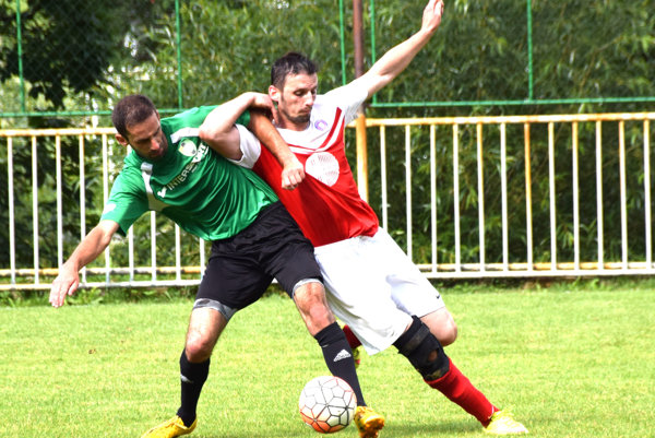 Korňa (v červeno-bielom) vstúpila do sezóny víťazne.