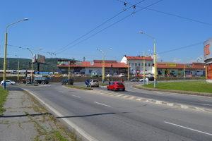 Križovatka Košická - Východná dostane novú podobu. Pribudnúť by mali odbočovacie pruhy pre väčšiu plynulosť dopravy.