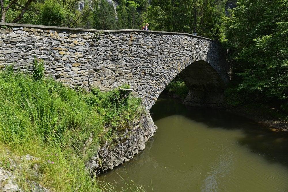 Kamenný most v Prielome Hornádu.