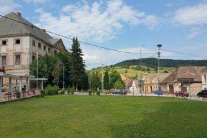Budova coburgovského kaštieľa v Jelšave.
