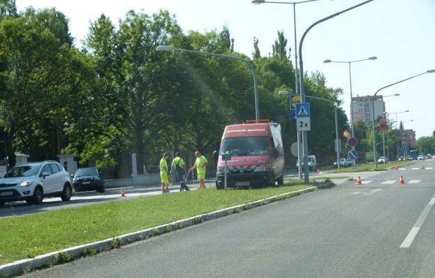 Vo štvrtok začali na Severe striekať priechody pre chodcov.